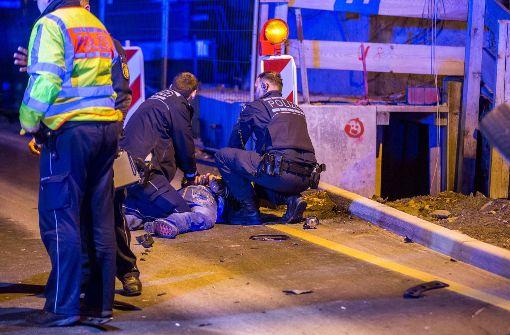 Bei der Auseinandersetzung mit dem Beifahrer wurde ein Polizeibeamter leicht verletzt. Foto: 7aktuell.de/Simon Adomat