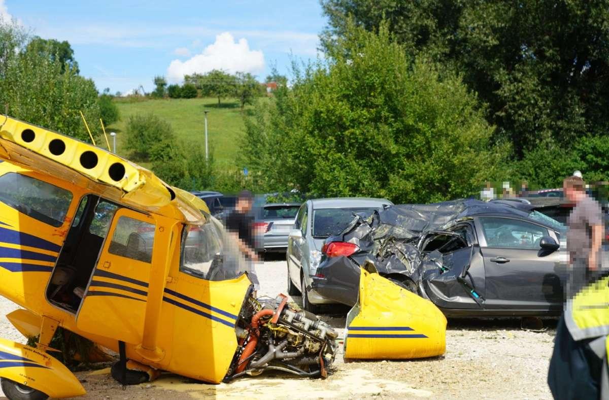Bei dem Unfall wurden offenbar vier Menschen verletzt. Foto: SDMG/SDMG / Woelfl