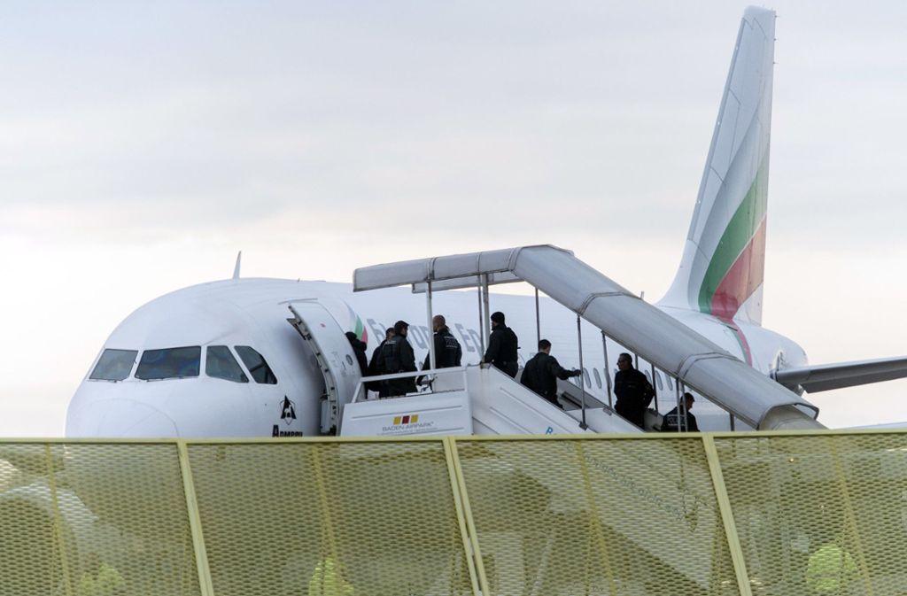 Der Flug aus Deutschland traf bereits in der afghanischen Hauptstadt Kabul ein (Symbolfoto). Foto: dpa/Daniel Maurer