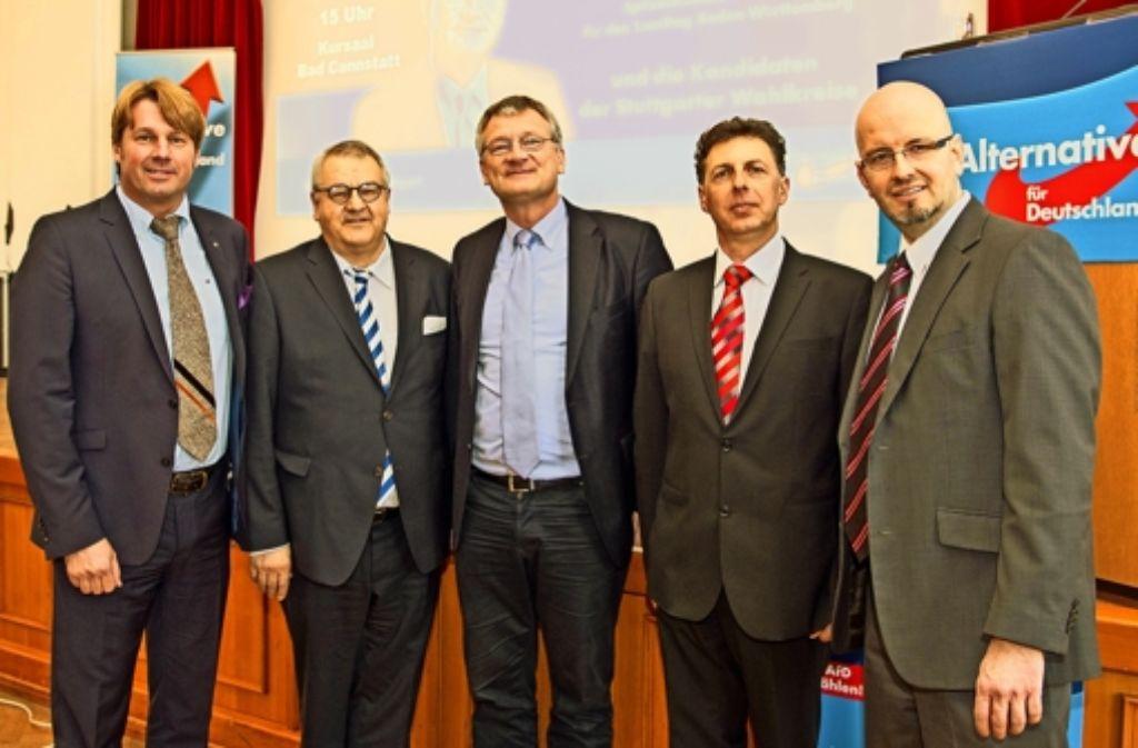 Die AfD ist zuversichtlich: Die Kandidaten Bernd Klingler, Eberhard Brett. Landeschef Jörg Meuthen (Bildmitte) sowie Alexander Beresowski und Dirk Stroeder (v. l.). Foto: Lg/Stollberg