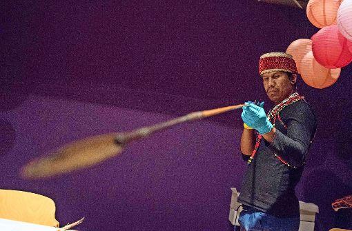 Brasilianische Ureinwohner besuchen Linden-Museum