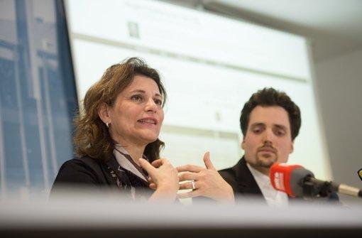 Brigitte Lösch ist die Schirmherrin, Roman Ebener ein Verantwortlicher für die Dialogplattform abgeordnetenwatch.de Foto: dpa