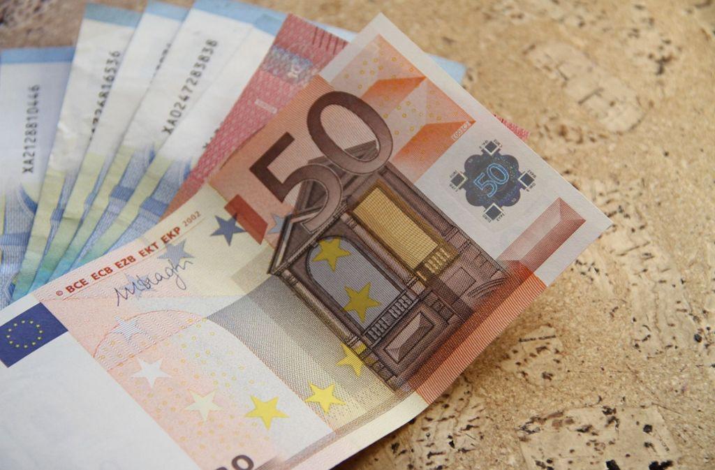 Dubios: Die Betrüger teilen der Frau mit. dass sie Geld gewonnen hat. Bevor sie ihren Gewinn bekommt, soll sie aber erst einmal Gutscheine kaufen. Foto: Pixabay