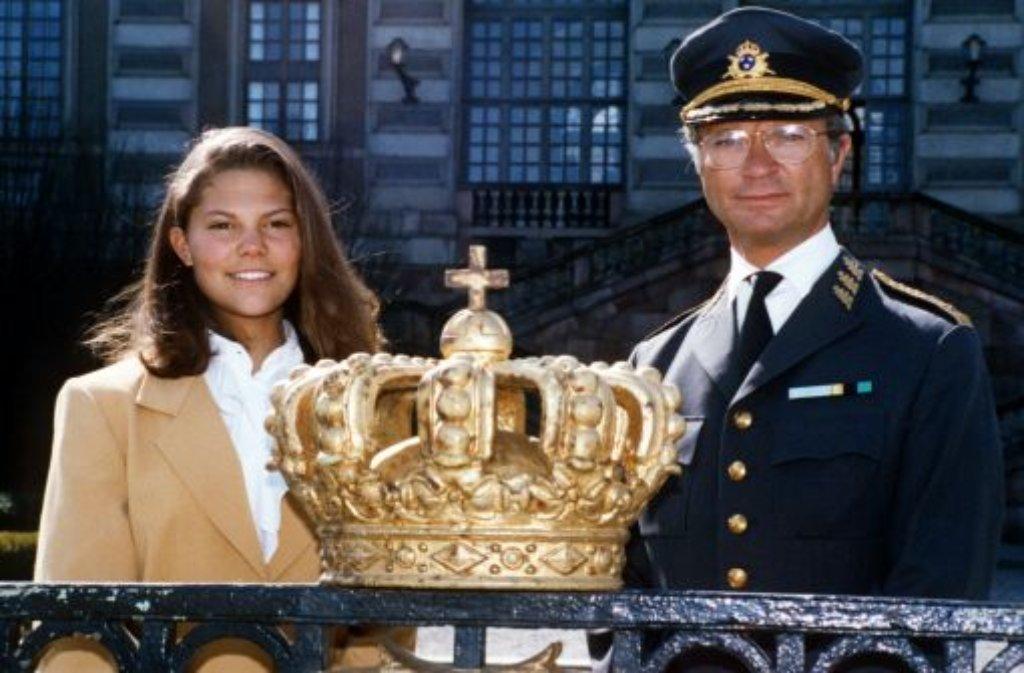 Victoria von Schweden: 1993 (mit ihrem Vater König Carl Gustaf), ... Foto: dpa