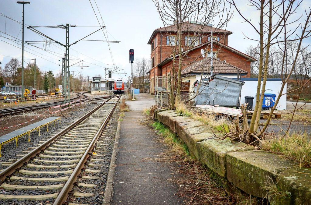 Der Hausbahnsteig in Weil der Stadt (rechts) wird ausgebaut. Foto: factum//Simon Granville