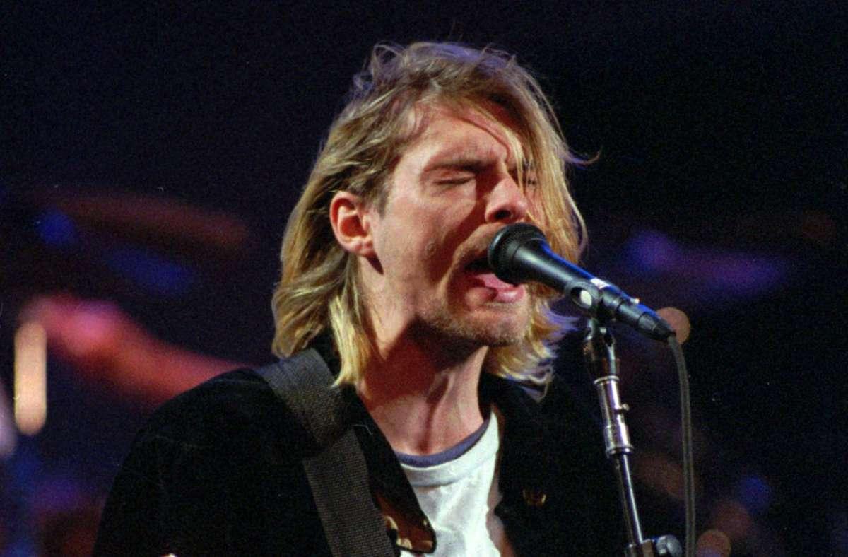 Kurt Cobain wurde als Songschreiber und Sänger der Band Nirvana weltbekannt – um seinen Tod ranken sich viele Verschwörungstheorien. Foto: dpa/Robert Sorbo
