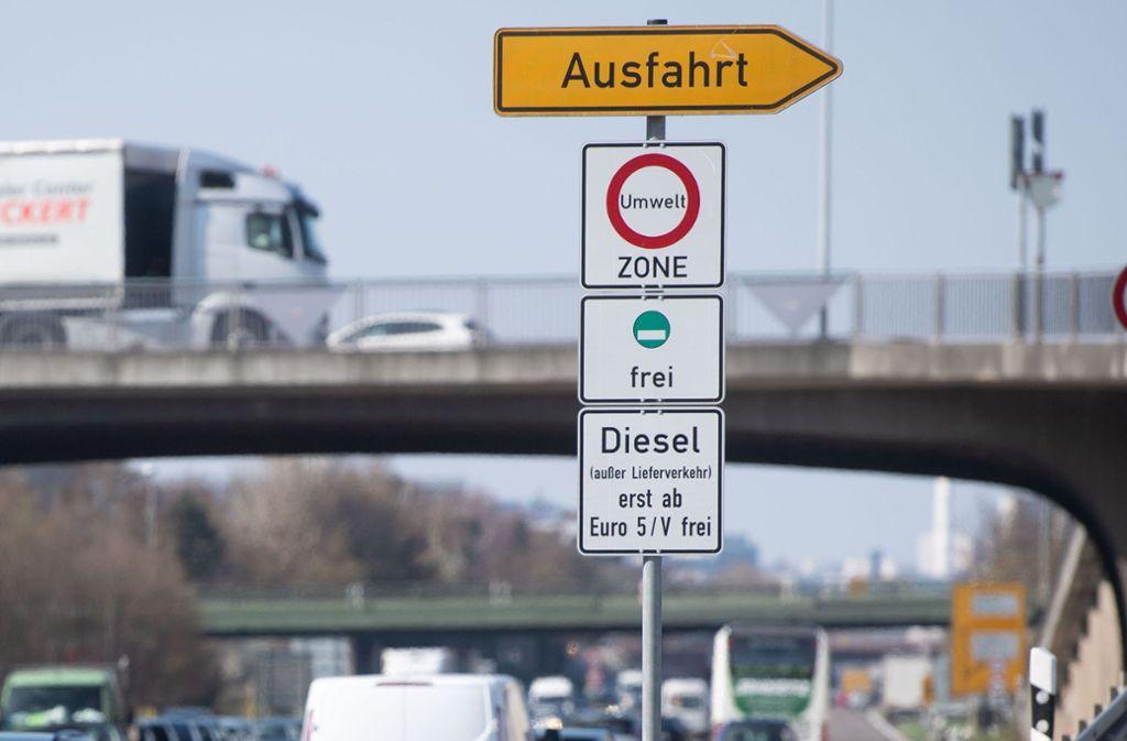 Müssen sich die Menschen in Ludwigsburg auf Fahrverbote einstellen? Foto: Marijan Murat/dpa