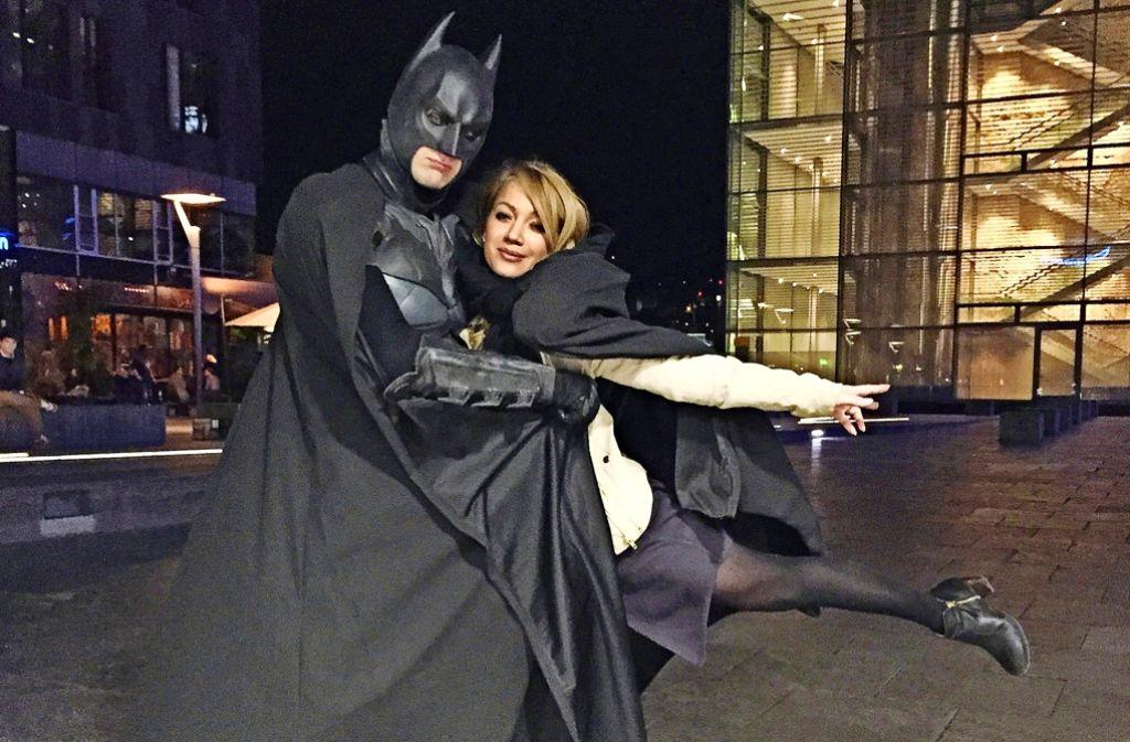 Nächtlicher Tanz mit Batman auf dem Schlossplatz. Foto: Privat