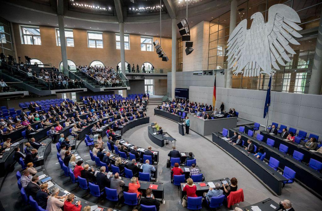 """Im Bundestag wird am Freitag über die """"Ehe für alle"""" abgestimmt. Foto: dpa"""