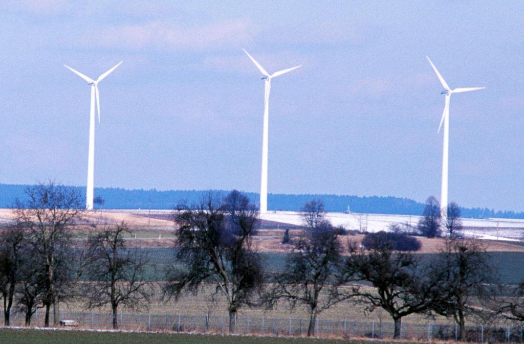 """Vorbild Gussenstadt: Bereits vor 17 Jahren errichteten die Stadtwerke Fellbach auf der schwäbischen Alb für drei Millionen Euro den Windpark """"Am Hochsträß"""". Foto: Patricia Sigerist"""