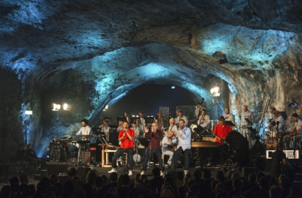 Zwölf Jahre danach: Die Fantastischen Vier haben erneut ein Unplugged-Konzert in der Balver Höhle gegeben. Foto: dapd