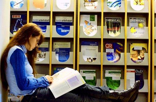 Manche Fachzeitschrift kostet Tausende von Euro. Daher fordern viele, mehr Studien kostenlos ins Netz zu stellen. Foto: dpa