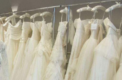 Dutzende Brautkleider aus Geschäft geklaut