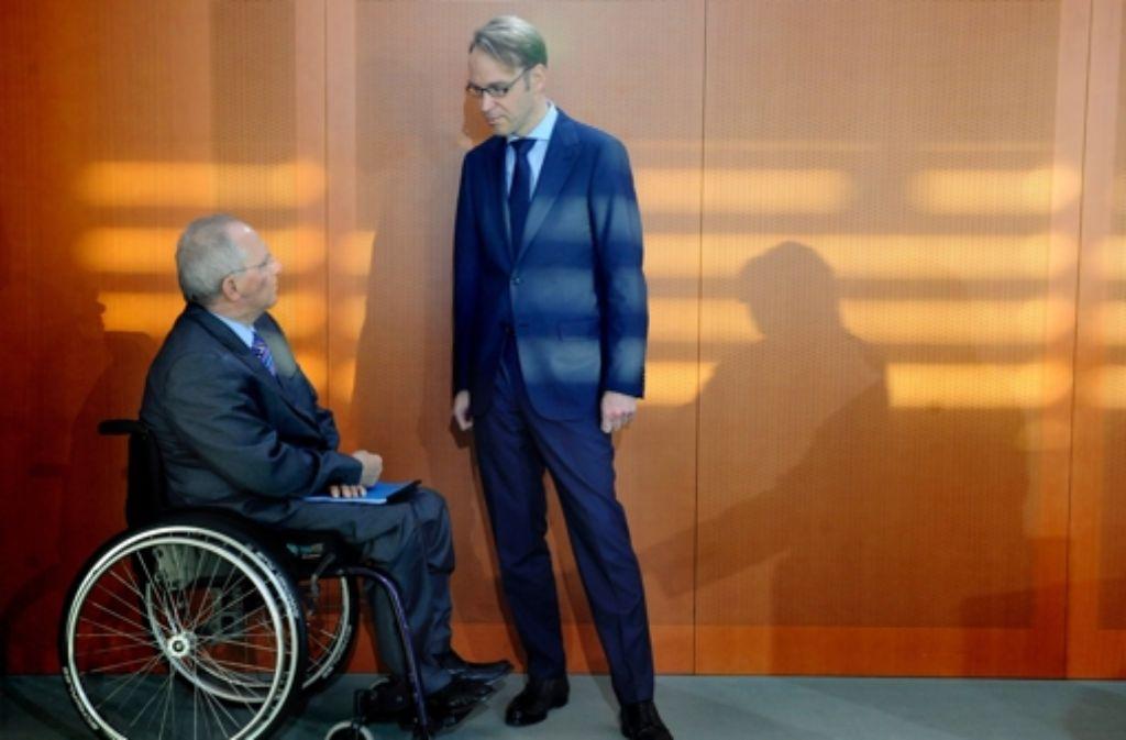 Bundesbankchef Jens Weidmann (rechts) und Finanzminister Wolfgang Schäuble (CDU) Foto: dpa