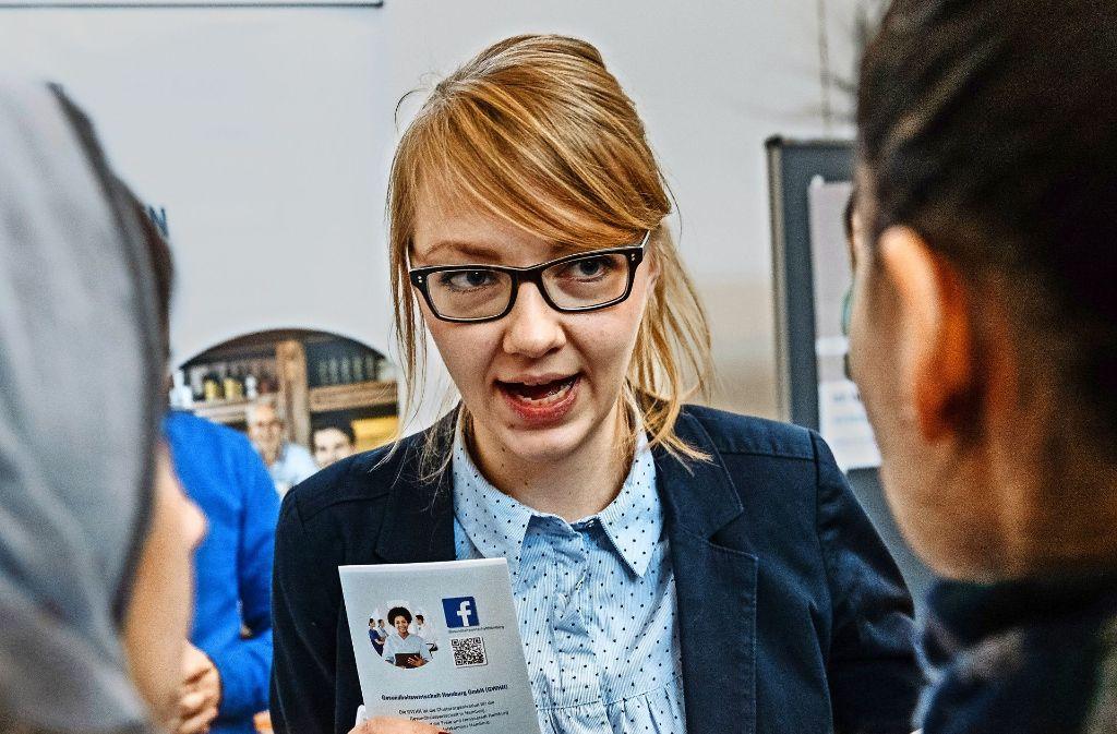 Flüchtlinge brauchen auch Informationen über den Arbeitsmarkt Foto: dpa
