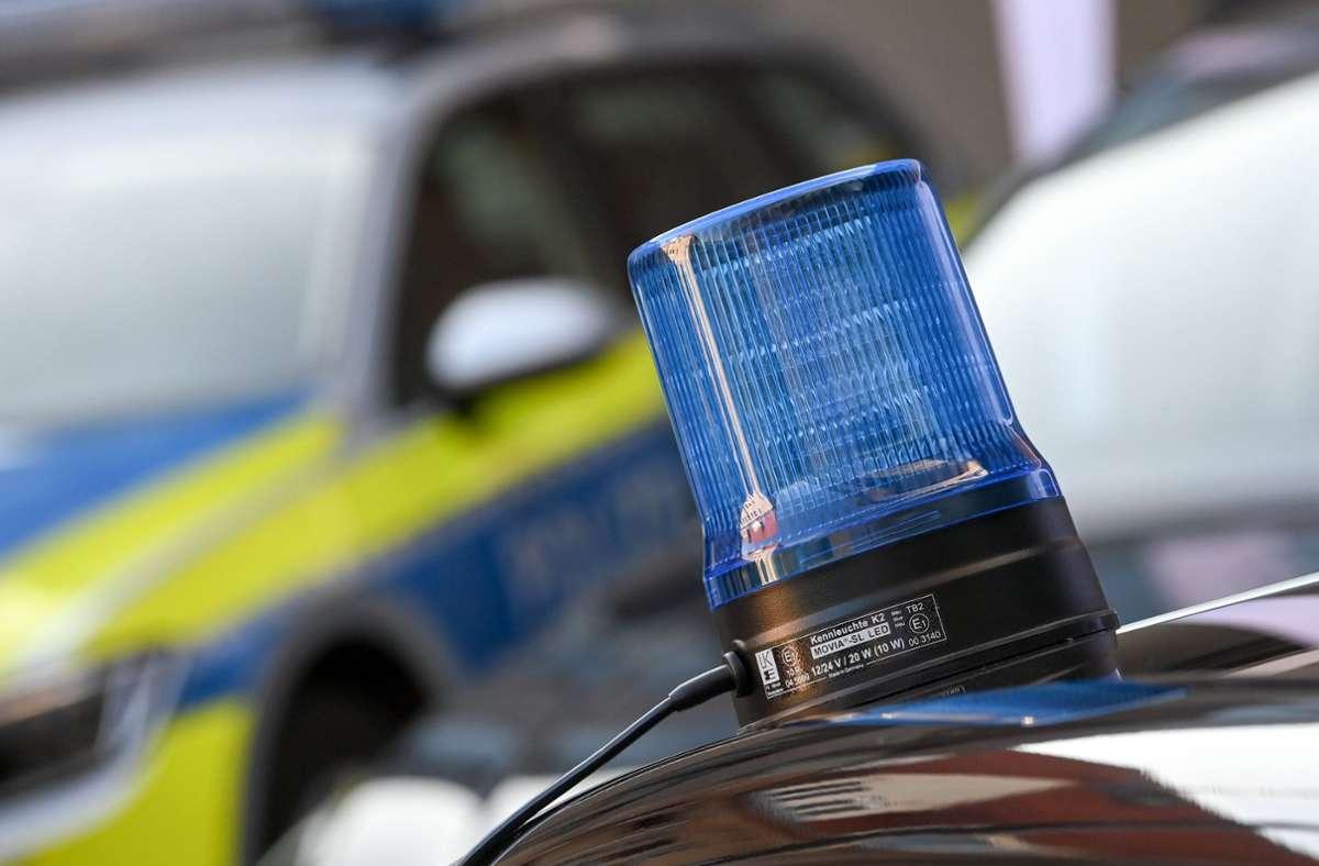 Die Polizei sucht Zeugen. (Symbolbild) Foto: dpa/Hendrik Schmidt