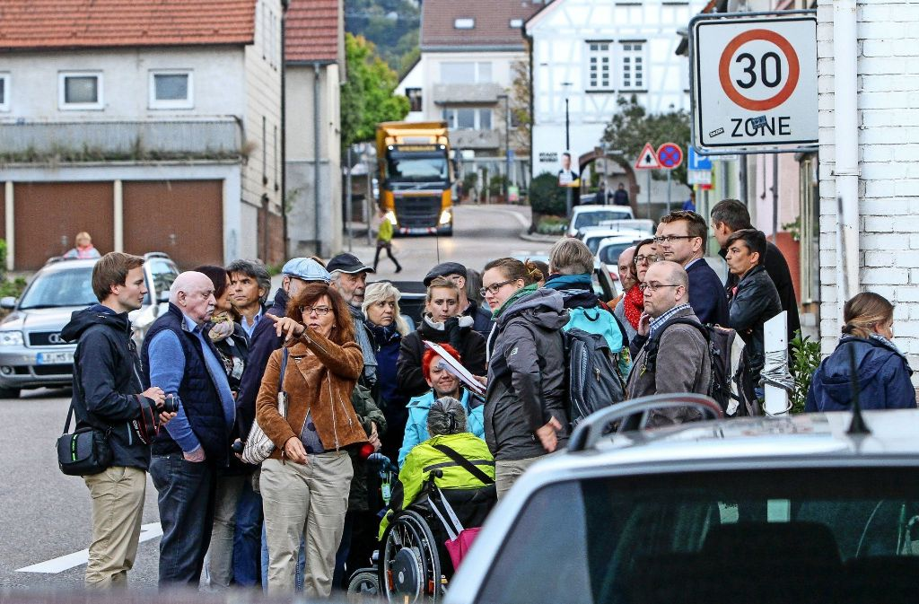 Ein Mittel für das Stadtentwicklungskonzept sind Rundgänge mit Bürgern; ein solcher hat erst Mitte September stattgefunden mit Blick auf den Fußgängerverkehr. Foto: factum/Archiv