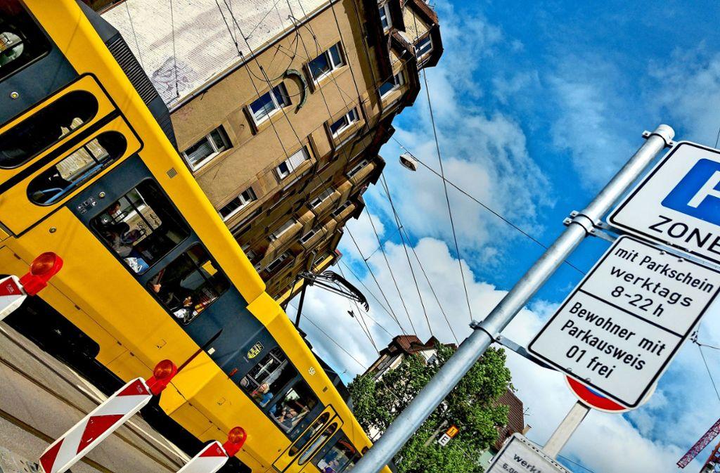 Mehr Schilder für das Parkraummanagement in Stuttgart sind absehbar. Foto: Jürgen Brand