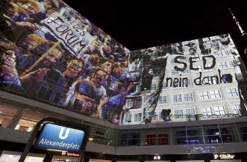 Großes Lichtschauspiel in Berlin erinnert an Mauerfall