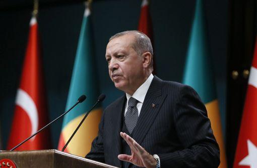 Türkische Zentralbank hebt Leitzins von 17,75 auf 24 Prozent