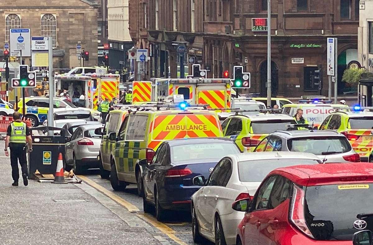 In Glasgow kommt es am Freitag zu einem großen Einsatz von Rettungskräften. Foto: dpa/@jatv_Scotland
