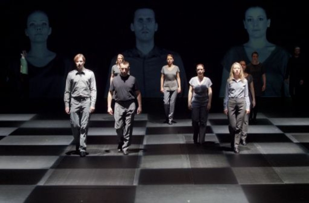 Schauspieler des Staatstheaters Stuttgart proben am Mittwoch (21.09.11) in Stuttgart das Theaterstueck 30.09.. Foto: dapd