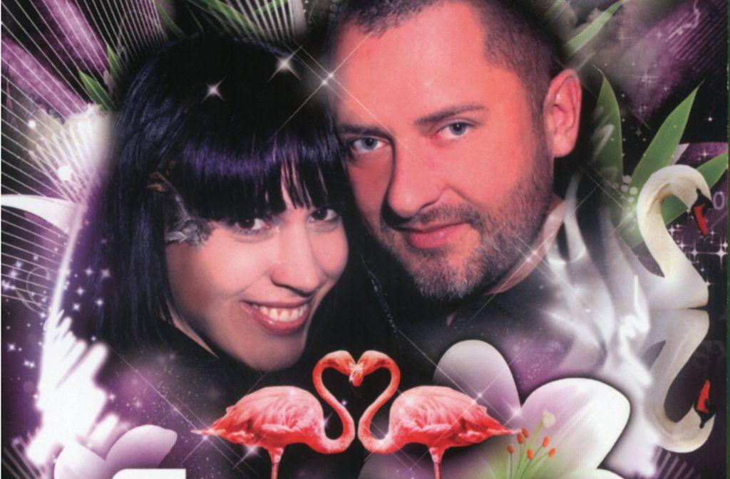 """Mit diesem Plakat haben  Daniela  und Uwe  Reiser   im Jahr 2008 zur """"Wedding Edition""""  der """"Perfect Lovers"""" eingeladen. Am 9. Mai feiern sie im Aer-Club das  Comeback der  legendären Partyreihe, die 1997 zum ersten Mal  an den Start ging. Foto: Love Academy"""