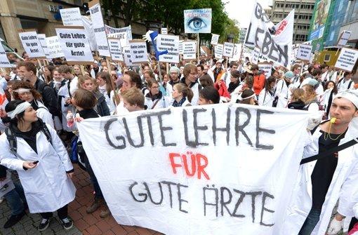 Medizinstudenten demonstrieren in Stuttgart