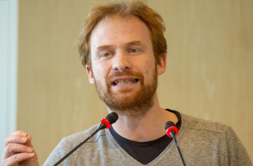 Hannes Rockenbauch, Fraktionschef von SÖS/Linke-plus, wirft OB Fritz Kuhn vor, mit Winkelzügen eine Abstimmung zu verhindern. Foto: Lichtgut/Leif Piechowski