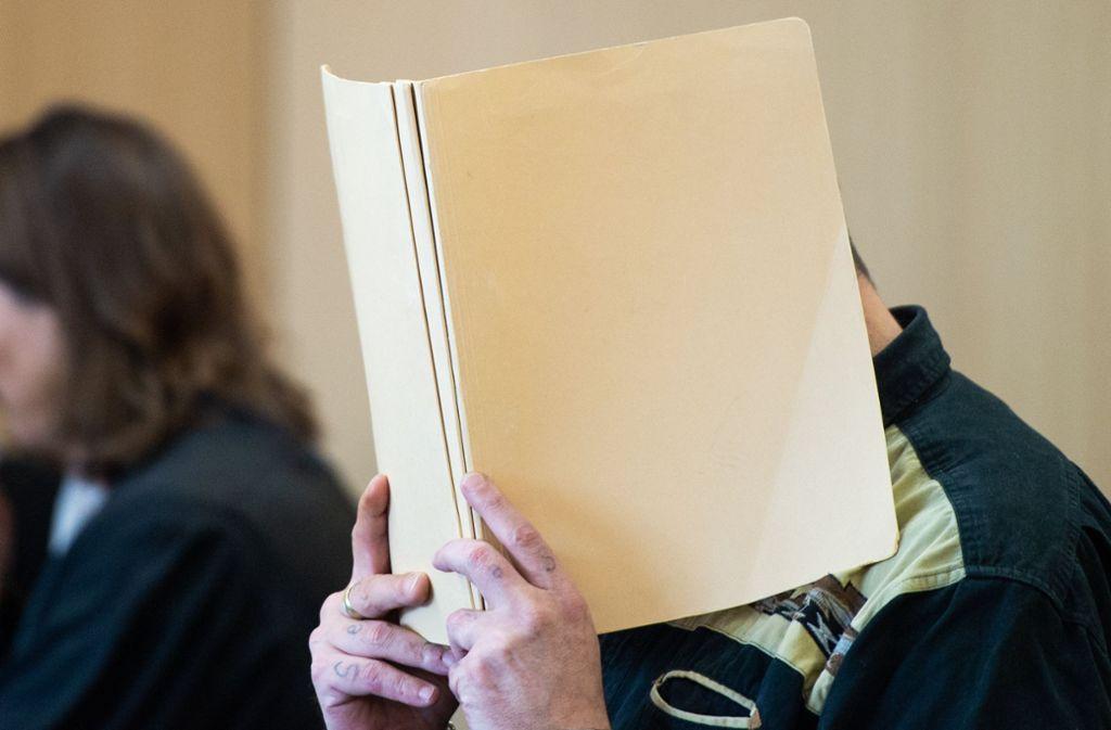 Die Richter des Landgerichts Düsseldorf sprachen einen 41-Jährigen der Körperverletzung mit Todesfolge und der Misshandlung von Schutzbefohlenen schuldig. Foto: dpa