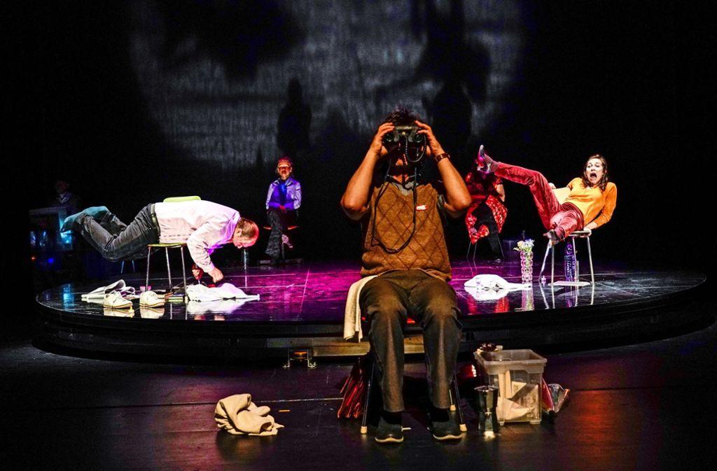 """Eine Szene aus dem Stück """"Die Mitwisser"""", das die WLB in ihrem am 20.Juni startenden Programm bis zur Sommerpause spielt. Foto: Tobias Metz"""