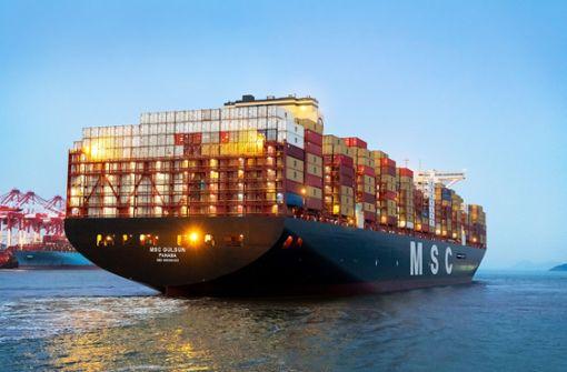 Größtes Containerschiff der Welt läuft Bremerhaven an