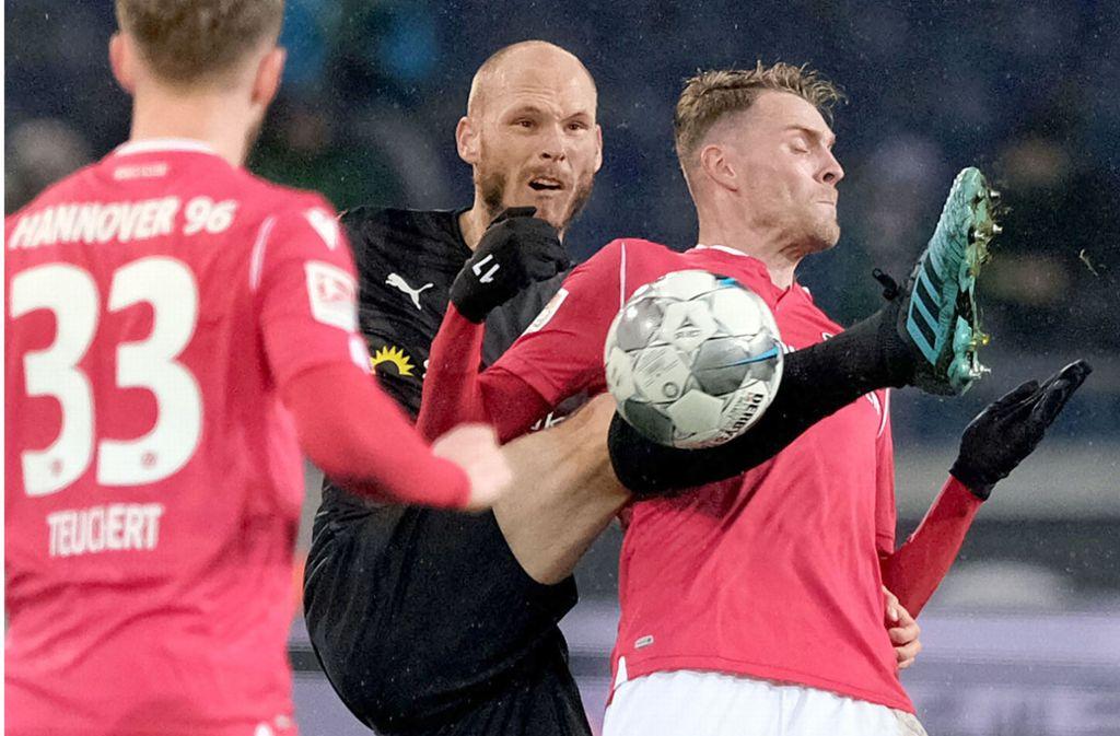 Der SV Sandhausen entführte einen Punkt aus Hannover. Foto: dpa/Peter Steffen