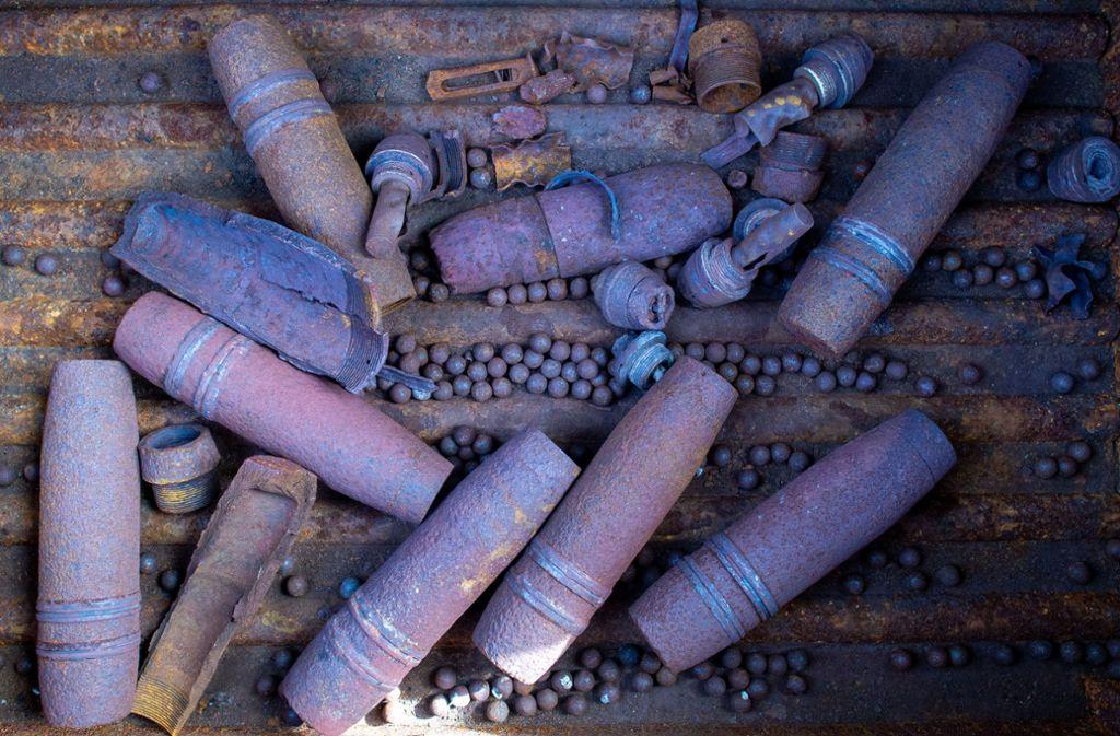 In Deutschland wird immer noch Kriegsmunition gefunden – hier liegen Granaten im Munitionslager und Zerlegebetrieb vom Kampfmittelbeseitigungsdienst Sachsen-Anhalt. Foto: dpa/Klaus-Dietmar Gabbert