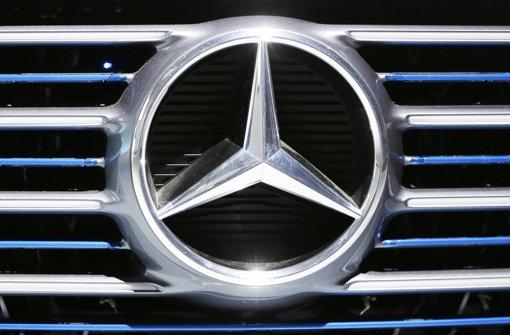 Wird auch in den Abgas-Skandal hineingezogen: Der Stuttgarter Autobauer Daimler Foto: AP
