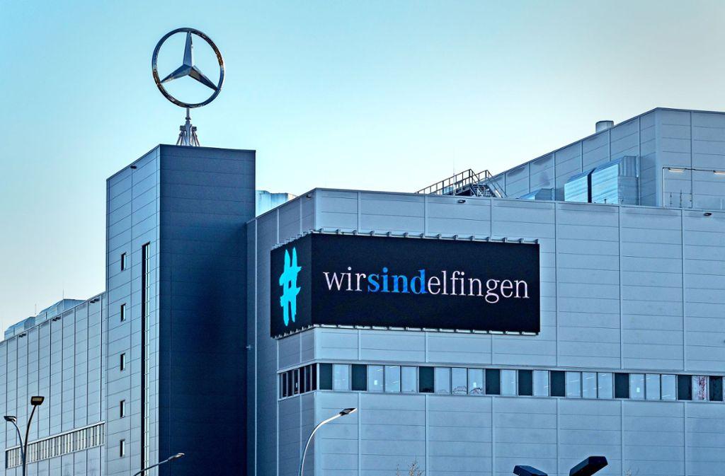"""Der Finanzbürgermeister nennt die Steuerkurve """"Sindelfinger Fieberkurve"""". Ihr Auslöser ist das Mercedes-Werk. Foto: factum/Andreas Weise"""