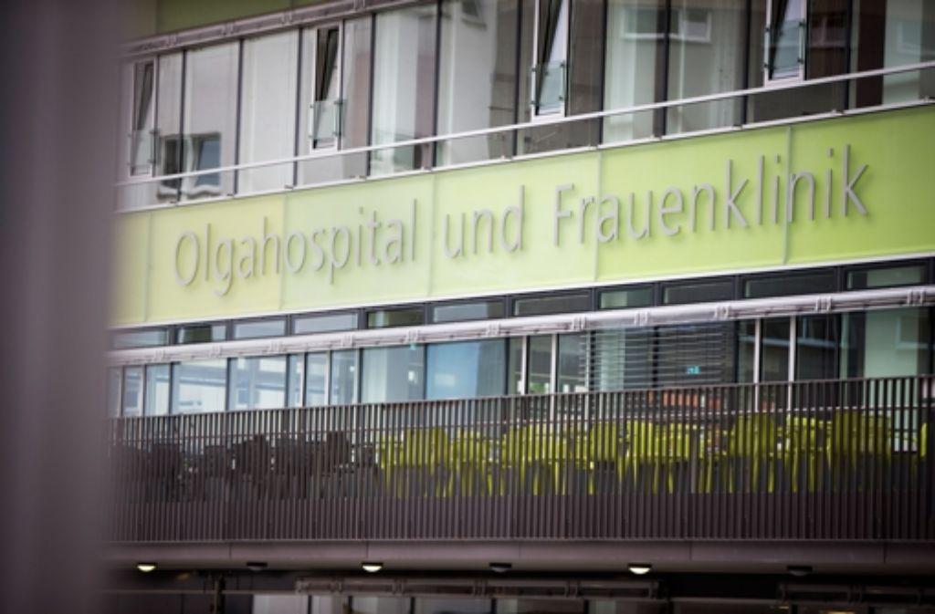 SPD und SÖS-Linke-Plus fordern, das Klinikum mit einer Soforthilfe finanziell zu entlasten. Foto: Michael Steinert