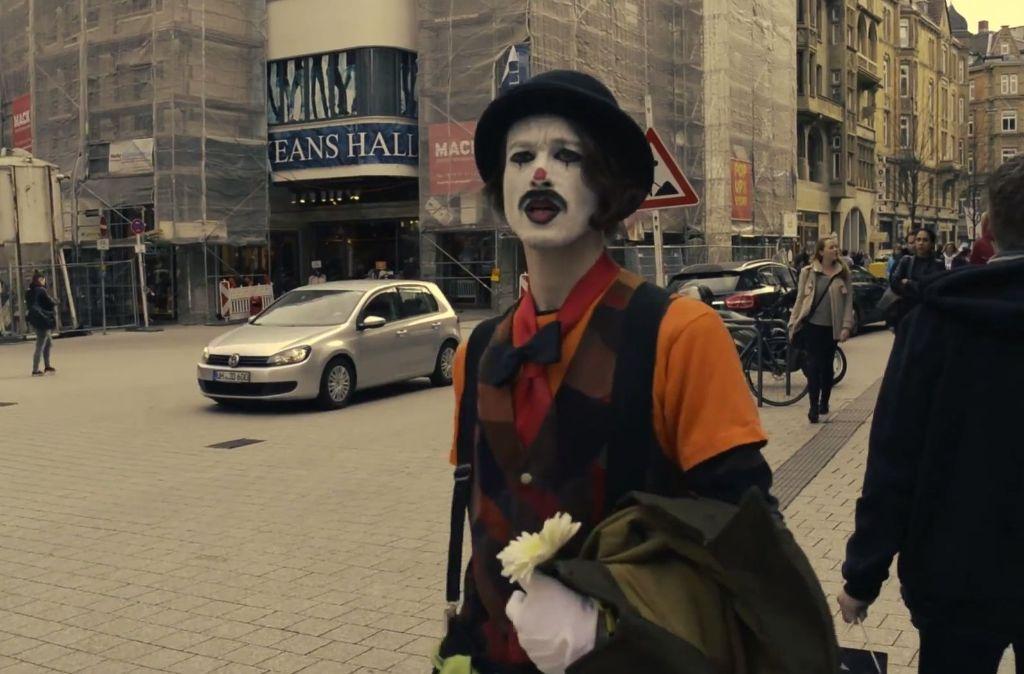Das neue Jatuna-Video führt einen Clown durch ein fremd gewordenes Stuttgart. Wir finden die Bilder schön und dokumentieren einige der kafkaesken Ort in dieser Bilderstrecke. Foto: Florian Kaspar