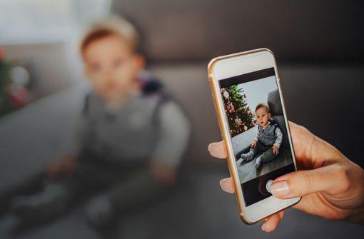 Dürfen Eltern einfach Fotos von ihren Kindern posten?