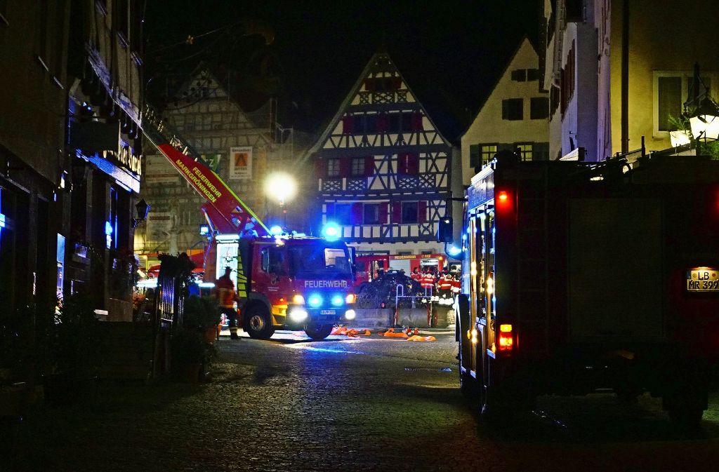 Rund 150 Einsatzkräfte waren am Montagmorgen auf dem Marktplatz. Foto: 7aktuell.de/Franziska Hessenauer