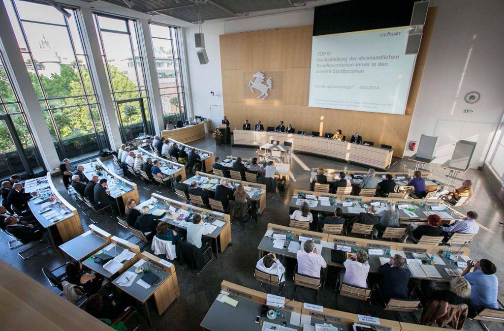 Die Machtverhältnisse im Stuttgarter Rathaus bleiben unverändert, nicht nur im Gemeinderat, sondern auch in den Ratsausschüssen. Dabei hätte der Zerfall der AfD-Fraktion durchaus Folgen haben können. Foto: Michael Steinert