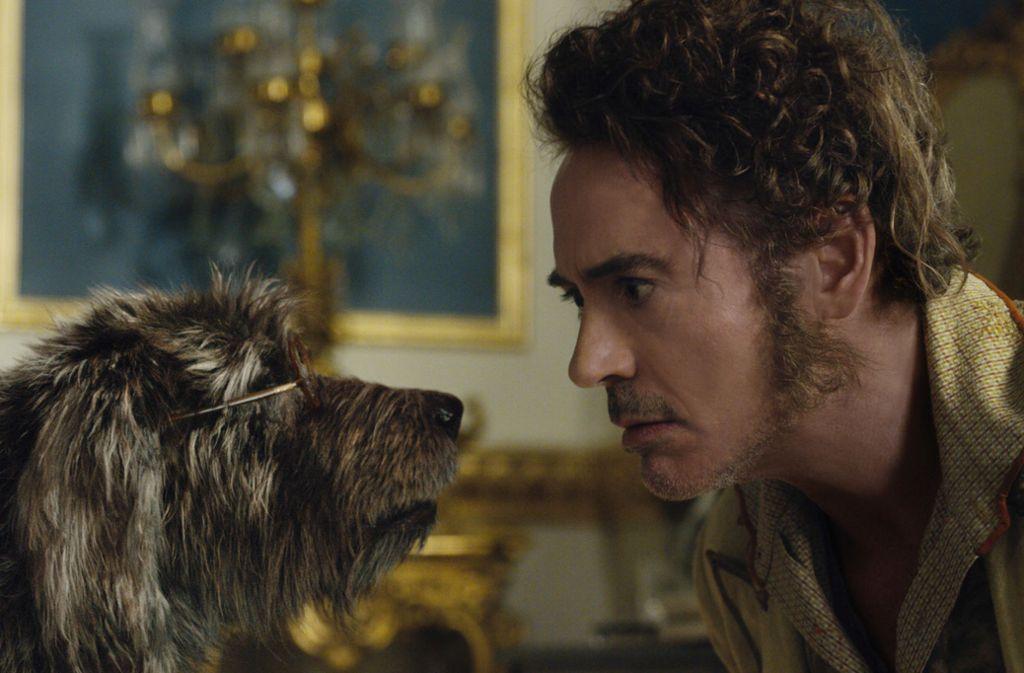 Dr. Dolittle (Robert Downey Jr., re.) versteht die Sprache aller Tiere, natürlich auch die der Hunde. Foto: /Universal Pictures