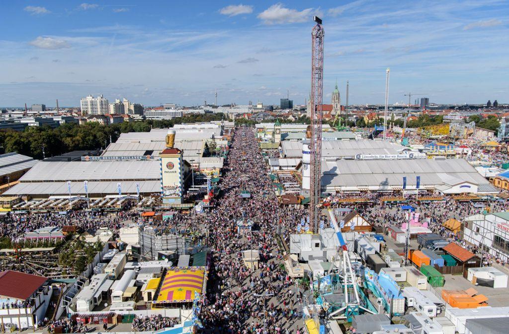 Am 21. September wird das  Oktoberfest in München eröffnet, eine Woche später folgt das Cannstatter Volksfest. Foto: dpa/Matthias Balk