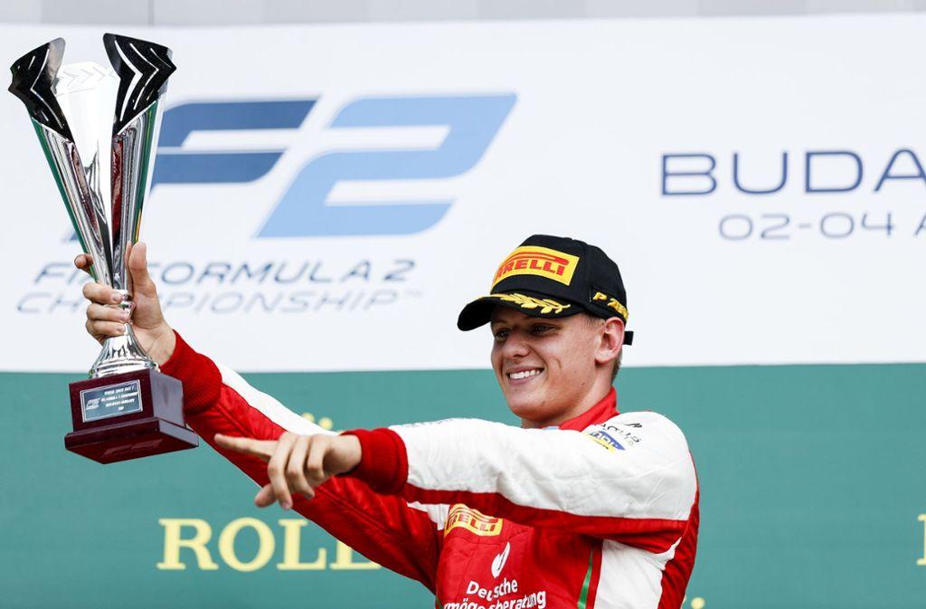 Der erste Sieg in der Formel 2: Mick Schumacher hat das Rennen in Ungarn gewonnen. Foto: dpa