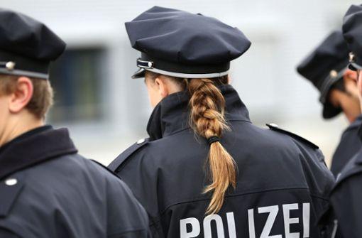 Polizeischülerin stellt gesuchtem Gewalttäter ein Bein