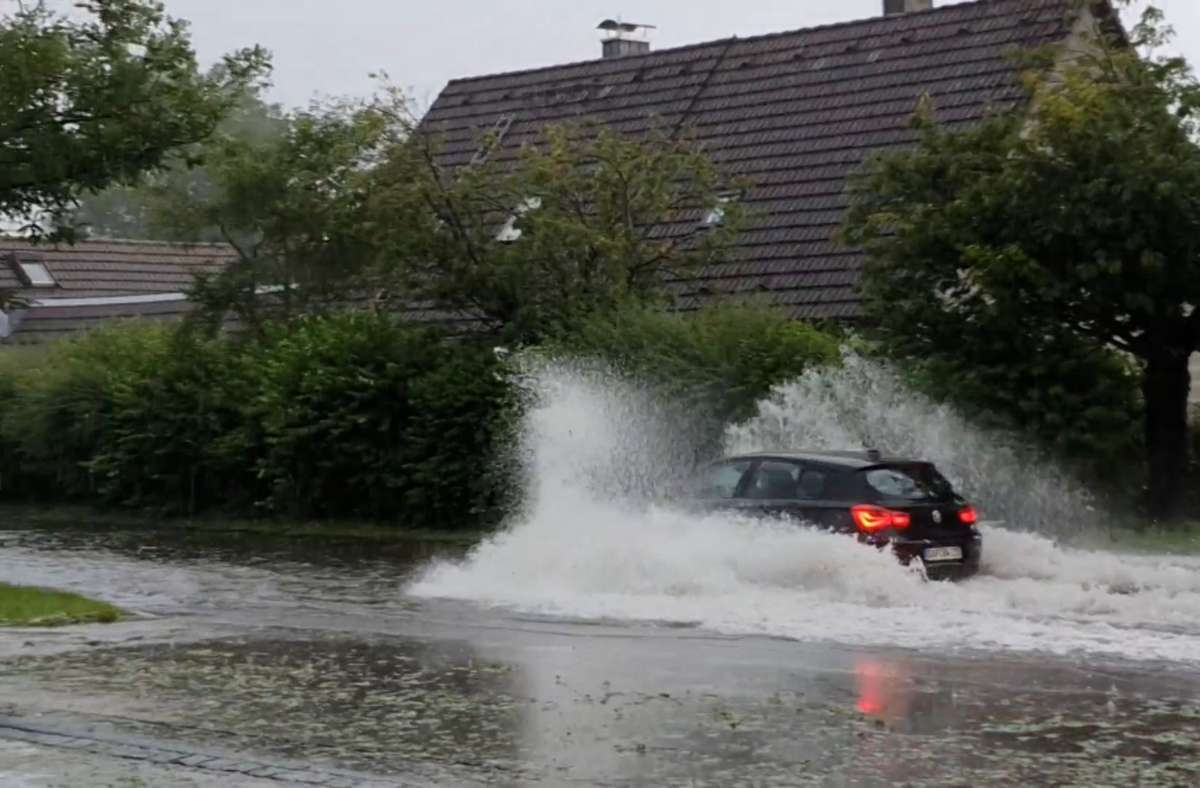 Am Wochenende gab es bereits in Teilen Bayerns schwere Unwetter. (Archivbild) Foto: dpa/Vifogra
