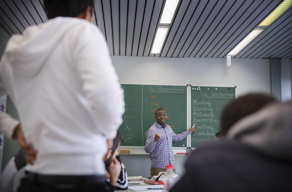 In der Paulinenpflege in Winnenden lernen jugendliche Flüchtlinge Deutsch. Foto: Gottfried Stoppel