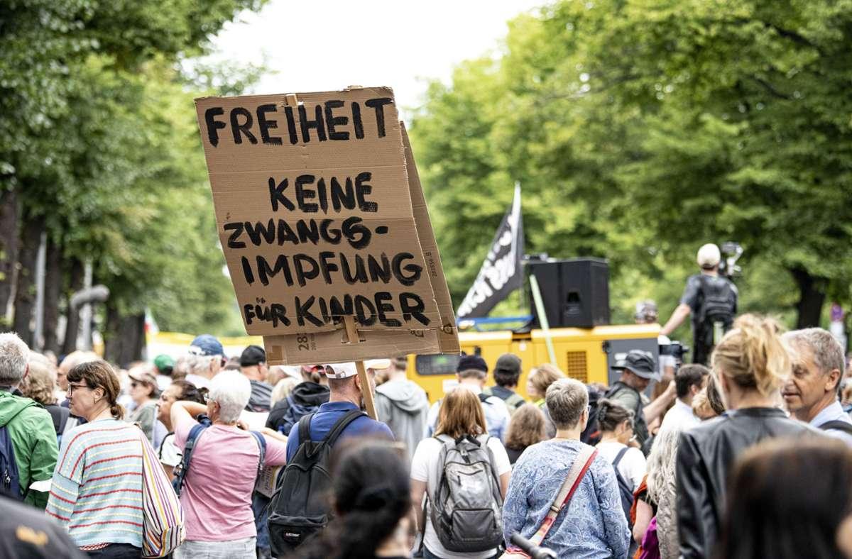 Anfang August hatte die letzte große Demonstration von Gegnern der Corona-Gesetze stattgefunden. Foto: dpa/Fabian Sommer