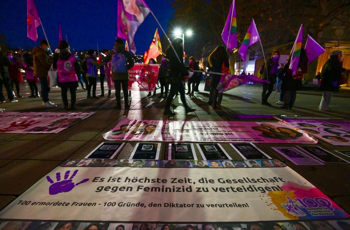 Vom Schlossplatz zog die Kundgebung weiter bis zum Rotebühlplatz. Foto: LICHTGUT/Leif Piechowski
