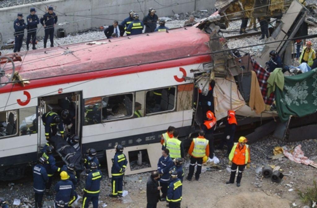 Per Mobiltelefon zündeten die Terroristen die Sprengsätze in den Zügen. Foto: AFP